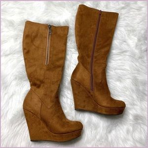 Delicious vegan suede zippered wedge boots size 8